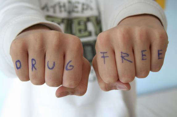 'Drug Free' Written on Knuckles Image