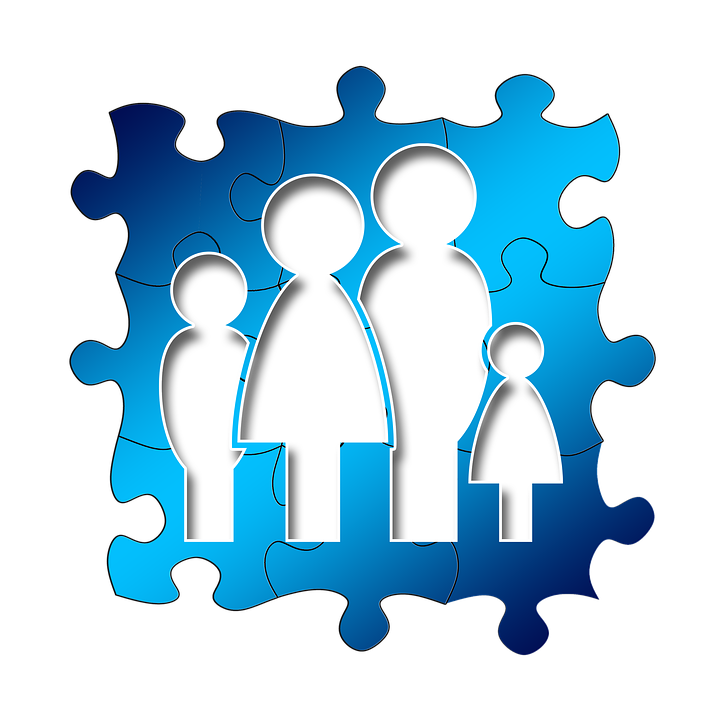 family puzzle pieces image