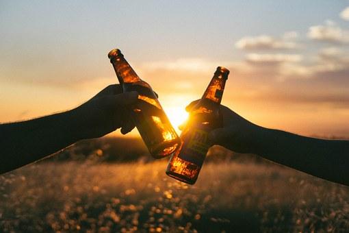 Toasting Beers Image